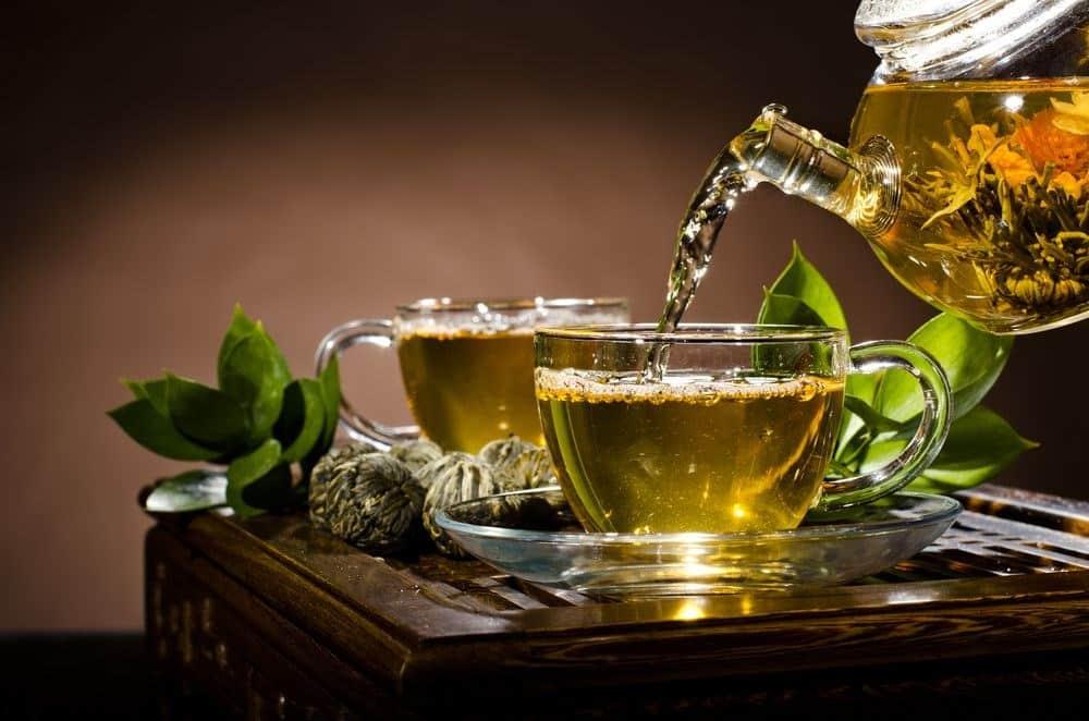 Bitki Çaylarını Fazla Tüketmenin Zararları