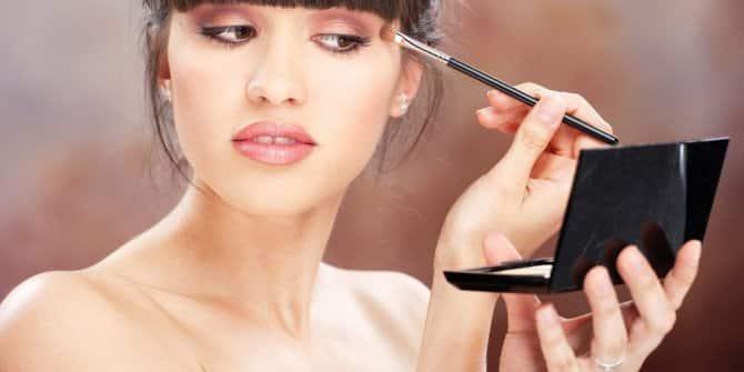 Cildinizi Genç Gösterecek Makyaj Tüyoları