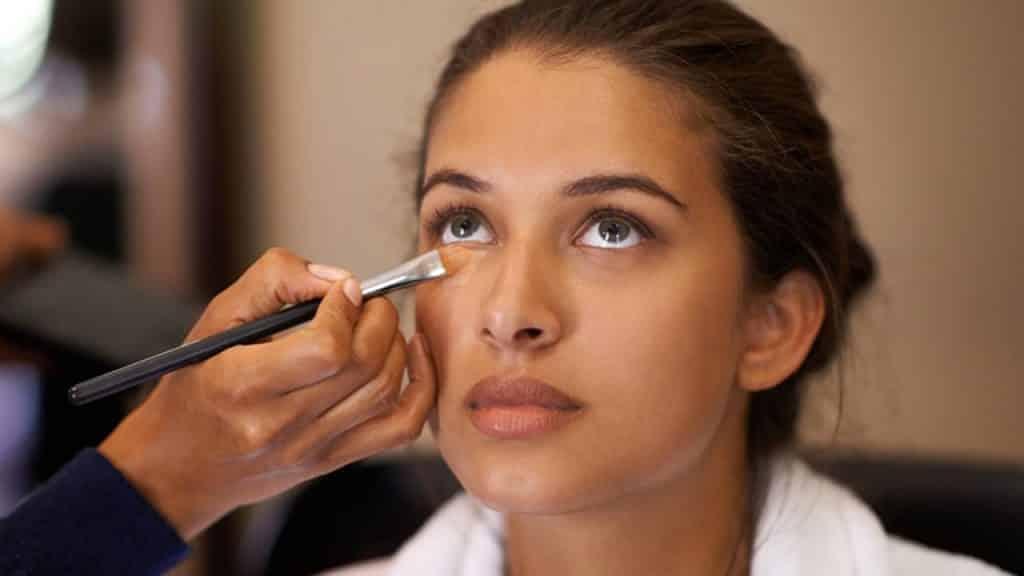 Esmer Kadınlar İçin Makyaj Tüyoları