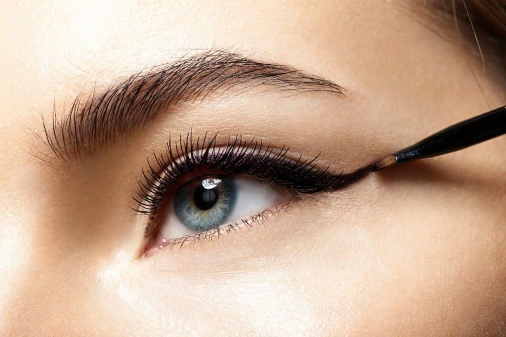 Göz Makyajı İncelikleri