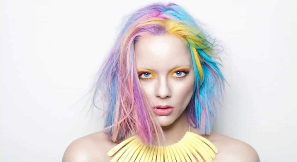 Kadınlarda Saç Rengi Modası
