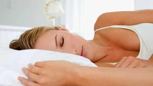 Yan Yatarak Uyumak Alzheimer Riskini Azaltıyor